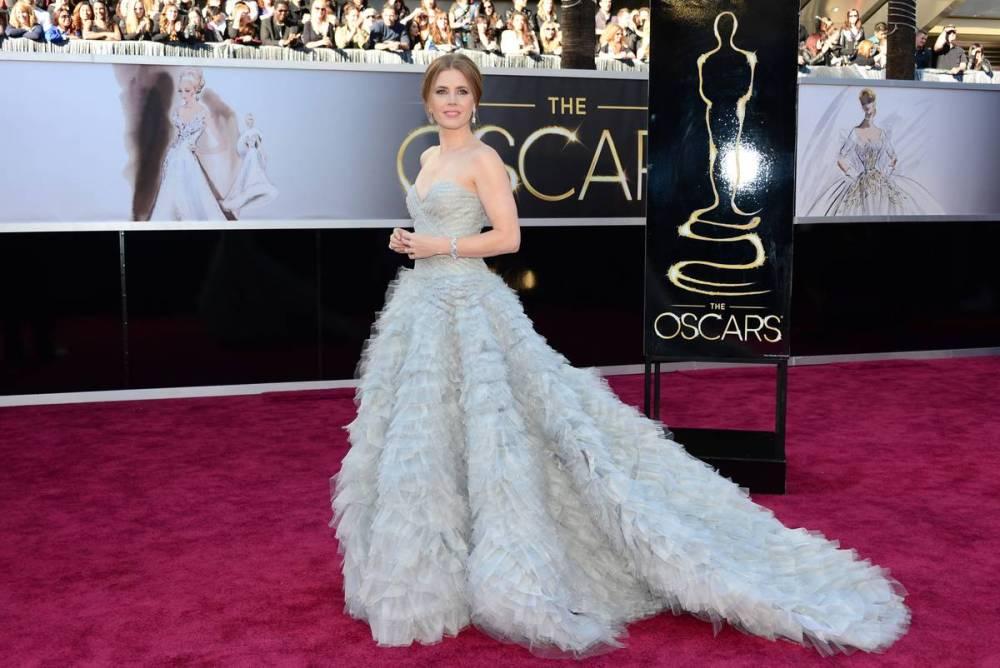 Amy Adams wearing Oscar de la Renta and Moa jewelry Oscars Academy Awards 2013
