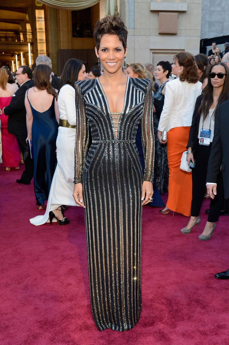Halle Berry wearing Versace #Oscars Academy Awards