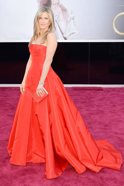 Jennifer Aniston wearing Valentino Oscars #Academyawards 2012
