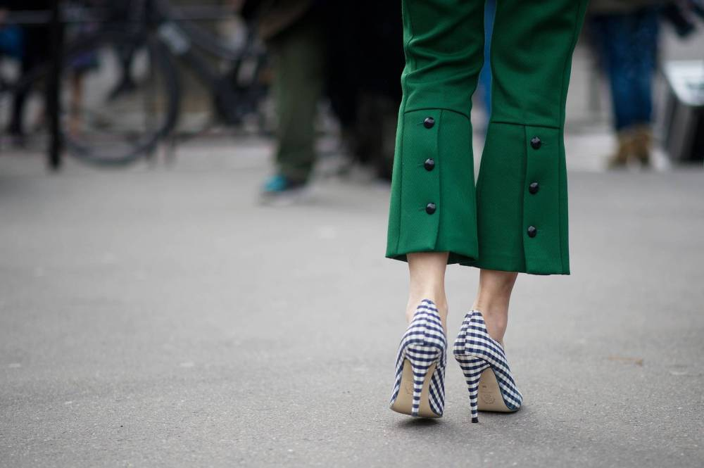 Caroline Issa in green crop pants and statement shoes fashion week street style 2013. spring trends