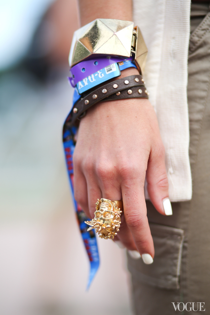 Alexander McQueen ring lollapalooza street style